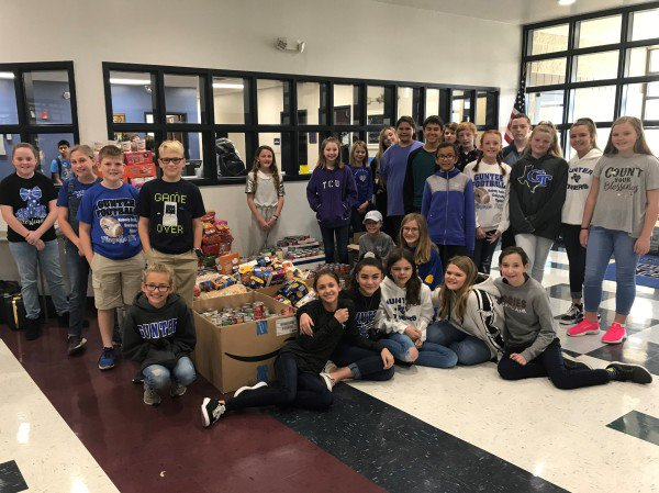 Gunter Middle School Student Council Food Drive